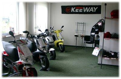 rollercenter magdeburg verkauf motorroller g nstig kaufen und mieten. Black Bedroom Furniture Sets. Home Design Ideas